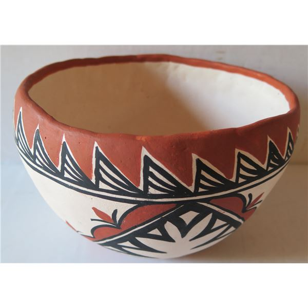 """Native American Indian Pueblo Clay Bowl, Oval Handmade Signed Mary ?  6""""Tall"""