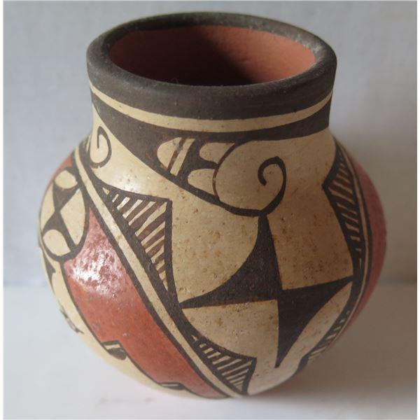 "Native American Indian Zia Jar w/Birds, Signed Elizabeth Medina 4.5"" Tall"