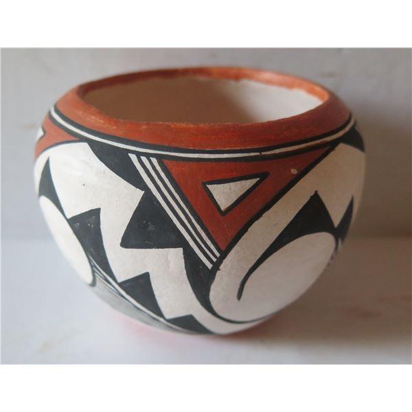 "Native American Indian Acoma Pueblo Clay Bowl, 3.5"" Tall"