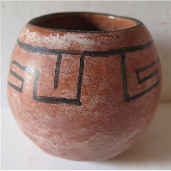 """Native American Indian Bowl w/ Black Painted Design 4"""" Tall"""
