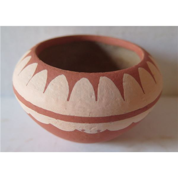 """Native American Clay Bowl, Terracotta w/ White Painted Design 2.5"""" Tall"""