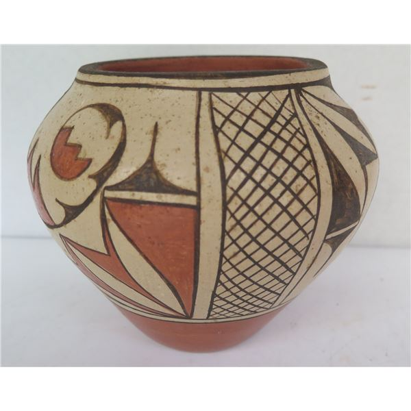 "Native American Indian Santa Ana Pueblo Clay Vase, Signed Rachel Medina 5.5"" Tall"