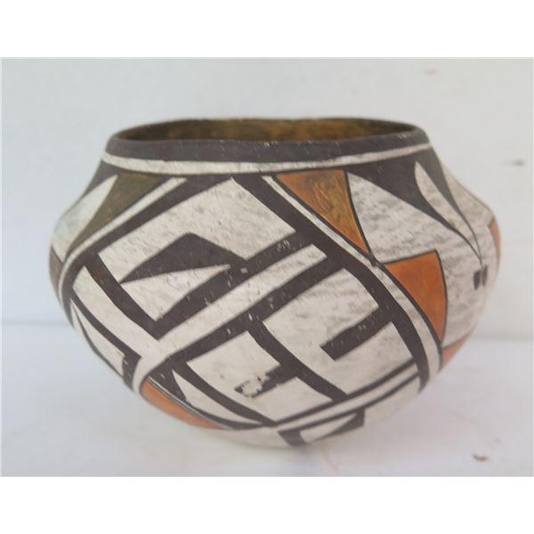 "Native American Indian Acoma  Pueblo Clay Bowl, 4.5"" Tall"