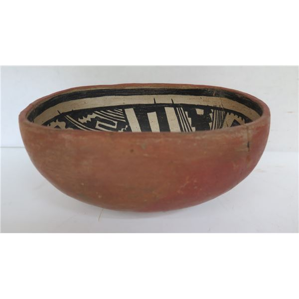 """Native American Indian Clay Bowl, Oval Black/White Motif (Cracked in places) 8"""" W"""