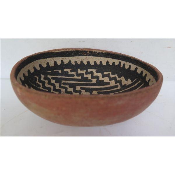 "Native American Indian Clay Bowl, Oval Black/White Geometric  6""W"