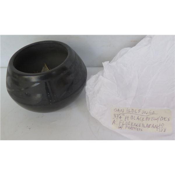 "Native American San Ildefonso Pueblo Ceramic Pot Etched Signed Florence Naranjo 2.5"" Tall"