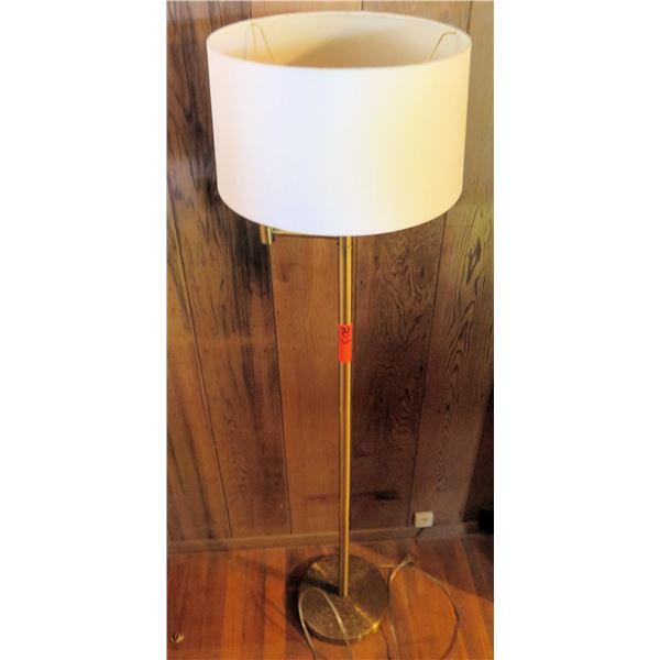 Metal Standing Lamp w/Lampshade