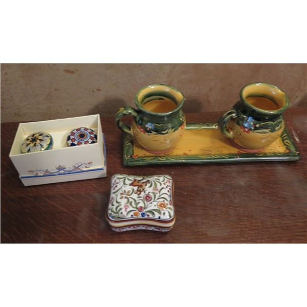 Qty 6 Ceramic Accessories, 2 Ceramic Knobs in Box, Trinket Box, 2 Pitchers on Tray French