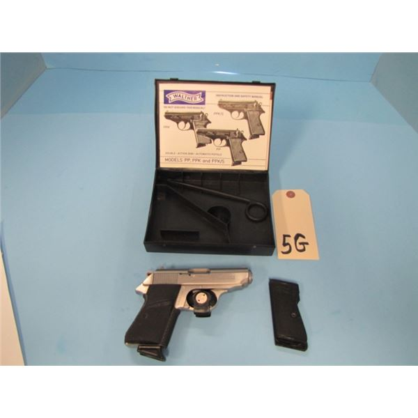 PROHIBITED:  Walther PPK/S .380ACP, semi auto pistol with 1 magazine, 83 mm barrel, serial S017xxx c