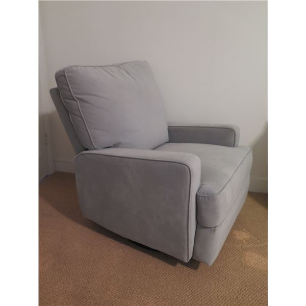 "Light Gray Recliner 32""W, 21.5""D, 38"" Back Ht"