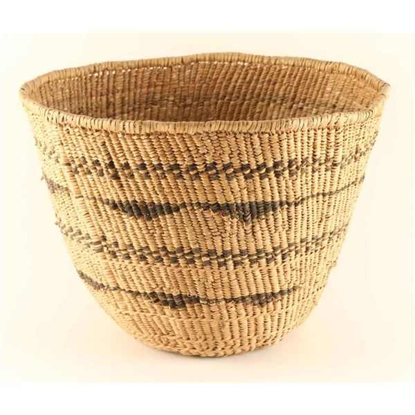 Large Piaute Gathering Basket