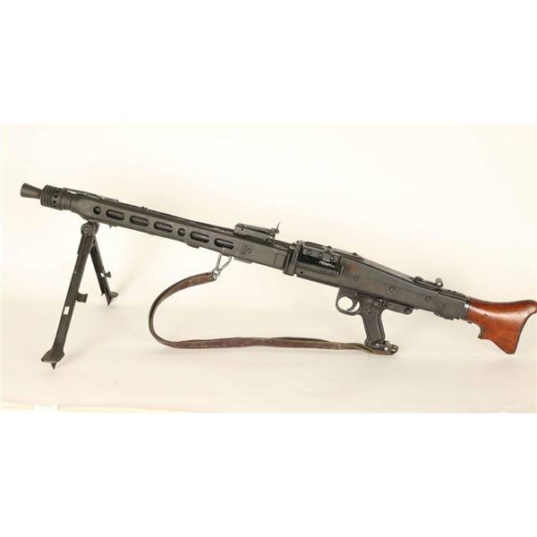 German WWII MG 42 Deactivated MG/Display Gun