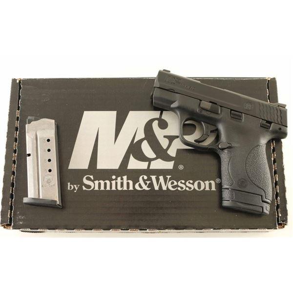 Smith & Wesson M&P Shield 40s&w SN: HXZ5726
