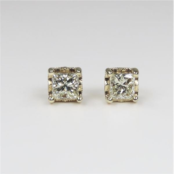 Brilliant Diamond Stud Earrings