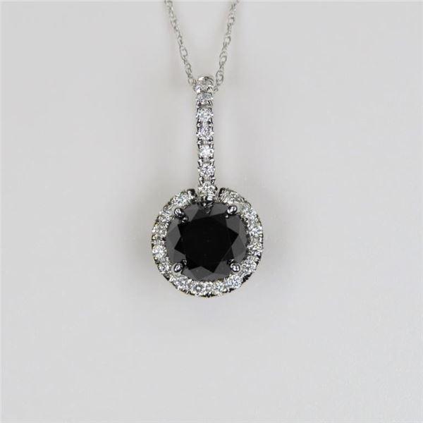 Elegant 18 karat Black and White Diamond