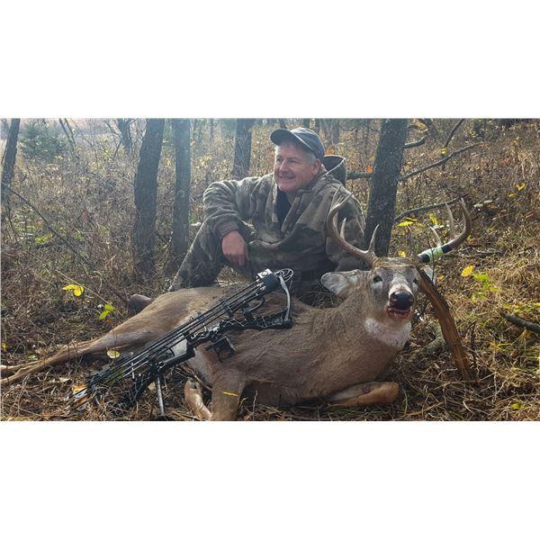 5-Day Trophy Whitetail Hunt for 1 Hunter in Kansas