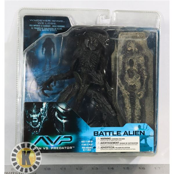 MCFARLANE ALIEN VS PREDATOR BATTLE ALIEN FIGURE