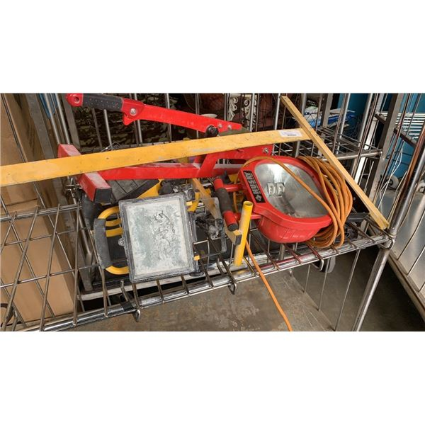 Measuring square and shoplights with tile cutter