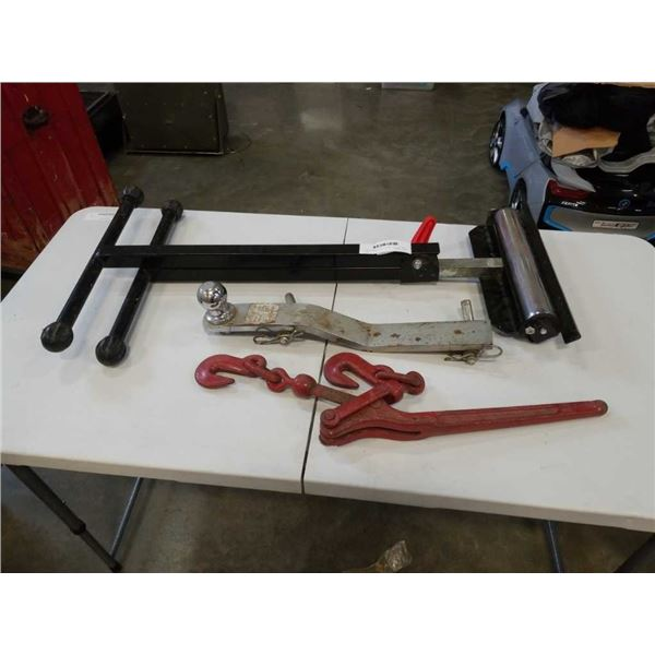 TRAILER HITCH, METAL CINCH AND ROLLER STAND