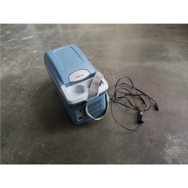 Mobil cool drink heater / cooler with cord working