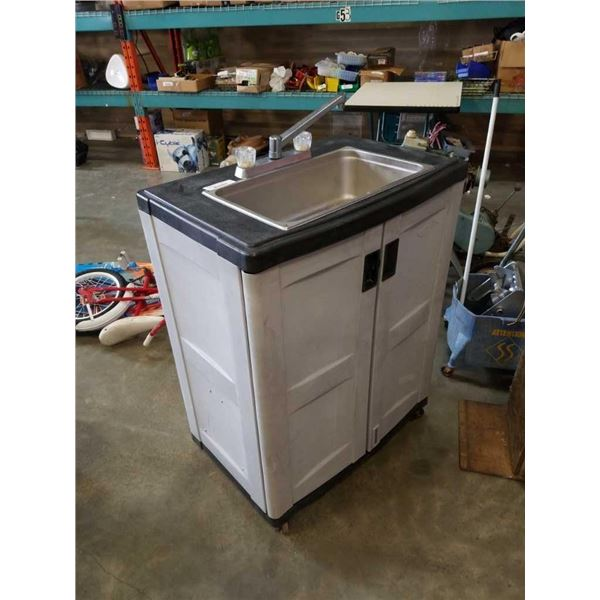 SUNCAST ROLLING CABINET WITH SINK, HOT WATER HEATER AND PUMP