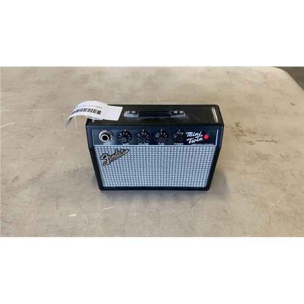 FENDER MINI TWIN MT-10 BATTERY POWERED AMP