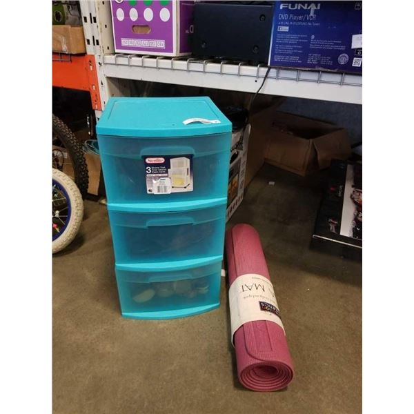 YOGA MAT AND ORGANIZER WITH CONTENTS