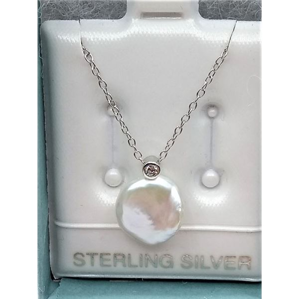 STERLING SILVER FRESH WATER PEARL PENDANT AND SILVER CHAIN RETAIL $250