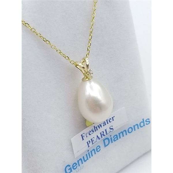 14KT YELLOW GOLD FRESH WATER PEARL AND DIAMOND PENDANT W/ GOLD PLATED SILVER CHAIN W/ APPRAISAL $300