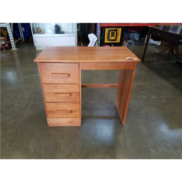 MAPLE 3 DRAWER DESK