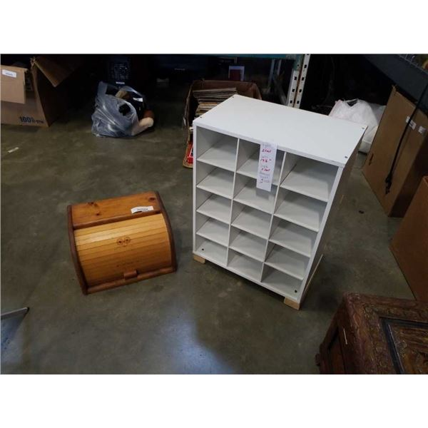 SMALL CUBICAL SHELF AND ROLLTOP BREAD BOX
