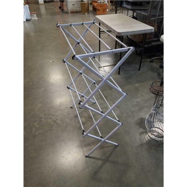 42 in tall white metal drying rack