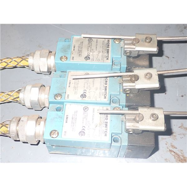 Lot of (3) Micro Switch #LSA1A