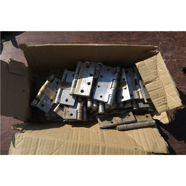 lot various size hinges