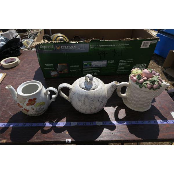 Lot teapots & misc.