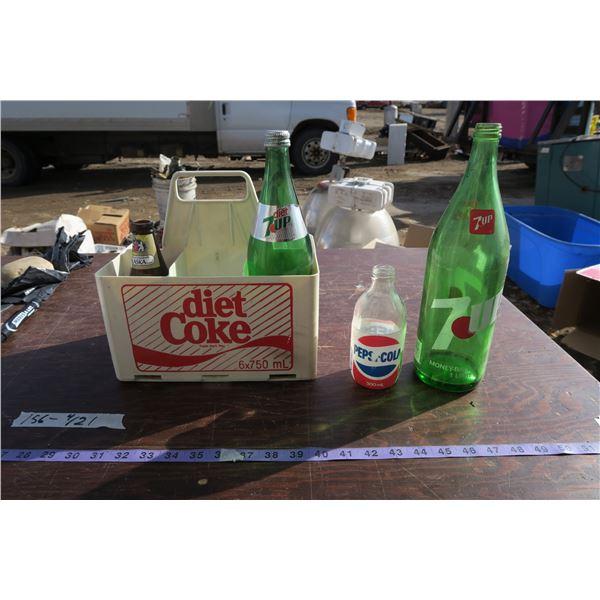 Lot vintage bottles & bottle holder