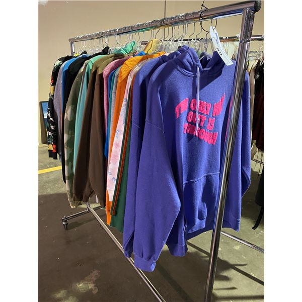 ASSORTED CLOTHING BRANDS SUCH AS : OSHKOSH, TNA, FOREVER 21, & MORE RACK INCLUDED