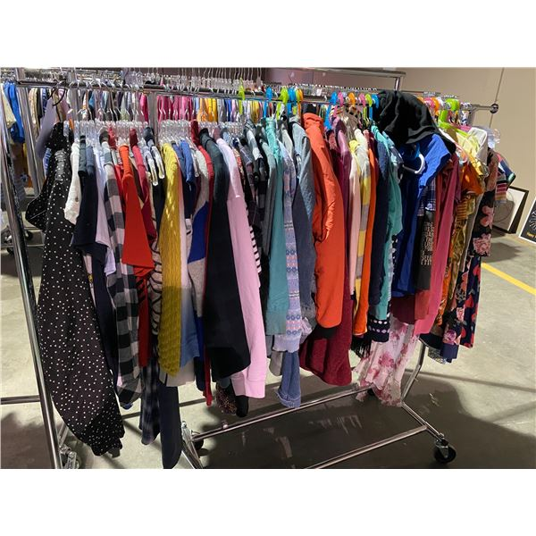 ASSORTED CLOTHING BRANDS SUCH AS : TNA, URBAN OUTFITTERS, GARAGE, & MORE RACK INCLUDED