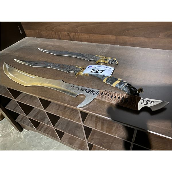 3 FANTASY WEAPONS