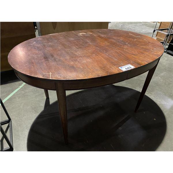 "ROUND TABLE 38 X 58"""