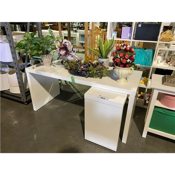 DESK WITH PULL OUT FEATURE WITH FAUX PLANTS