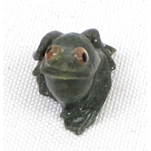 Zuni Serpentine Frog Fetish by Ricky Laahty