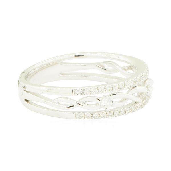0.24 ctw Diamond Ring - 18KT White Gold