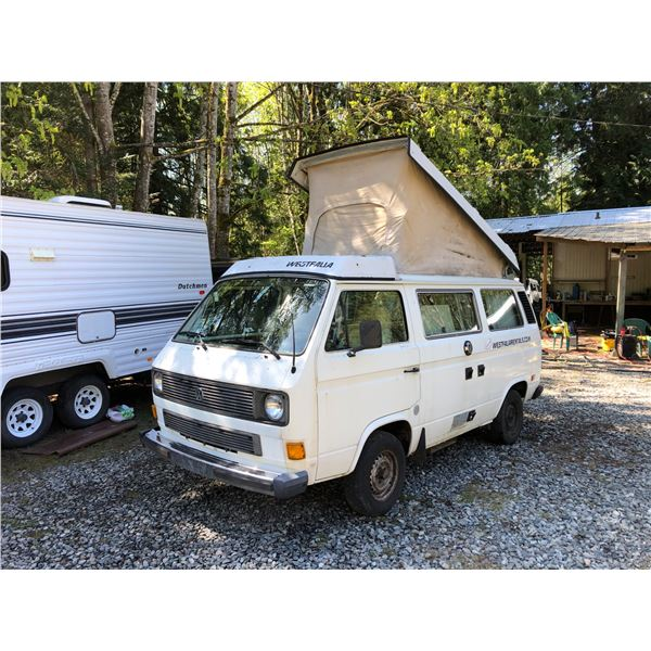 1983 VW WESTFALIA VANAGON L CAMPER, WHITE, VIN# WV2ZB0257DH058528, 363948KM, 4 SPEED MANUAL, FRIDGE,