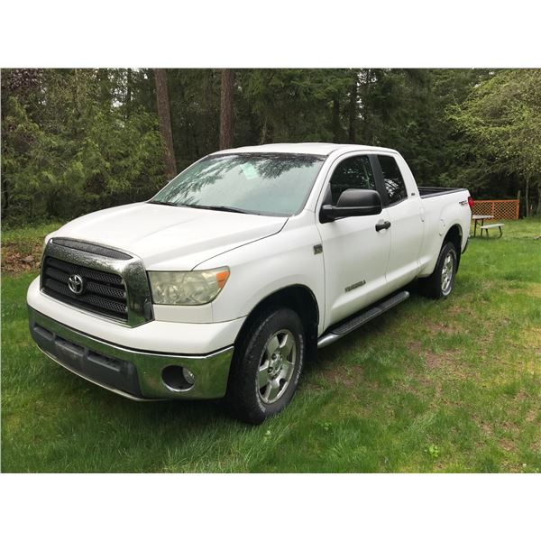 2007 TOYOTA TUNDRA 4X4, WHITE, VIN# 5TBBT54147S450413, 30478M, 4 DOOR PICK UP, 4.7L V8