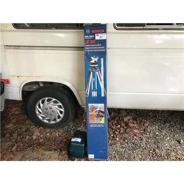 BOSCH SELF LEVELING AUTOMATIC OPTICAL LEVEL KIT WITH TRIPOD *NANAIMO*
