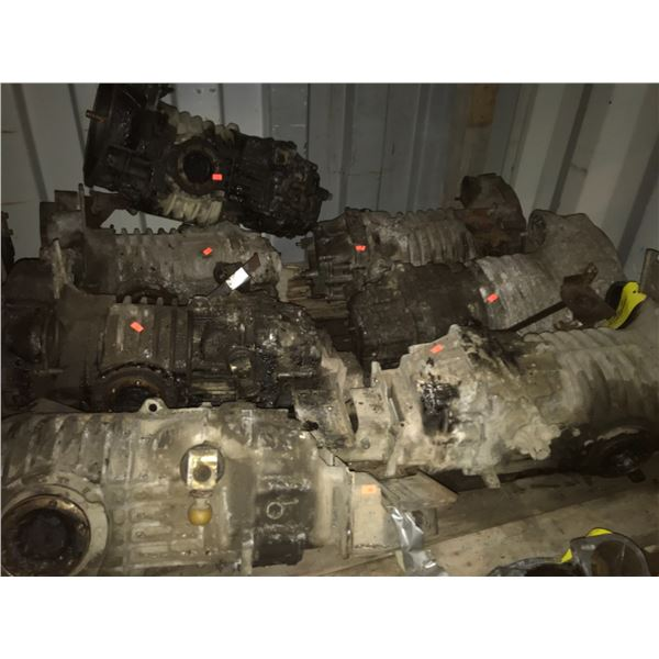 8 VANAGON MANUAL TRANSMISSIONS (ONE IS DISMANTLED) *NANAIMO*