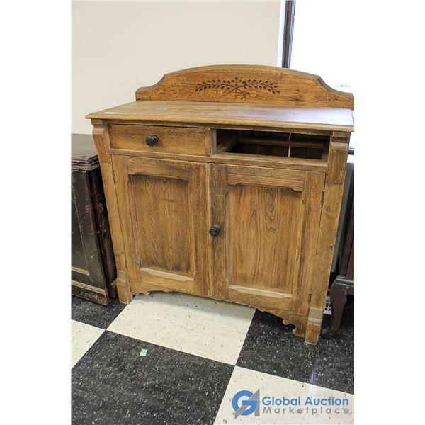 **Wooden Dining Room Side Bar