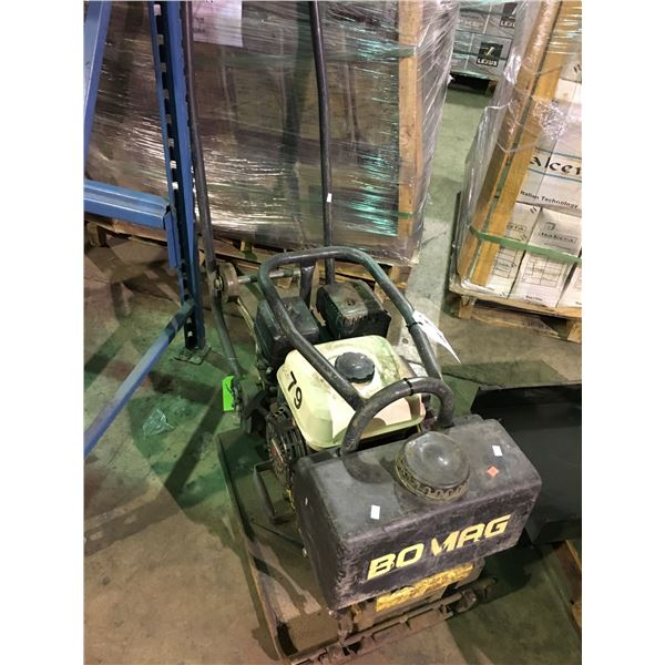 BOMAG BP 15/45-2 GAS POWERED VIBRATORY PLATE COMPACTOR