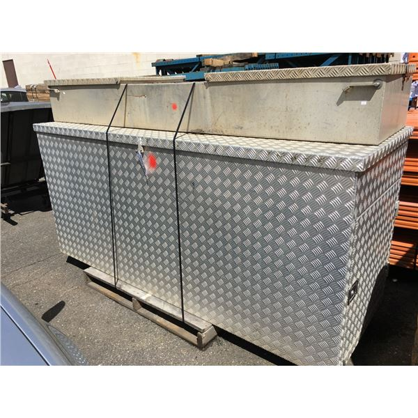 STAINLESS STEEL CHECKER PLATE CUSTOM CONSTRUCTION STORAGE BOX WITH 2 SIDE DOORS AND TOP LOAD
